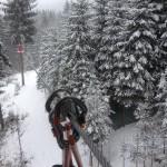 w parku linowym w górach w Beskidach