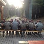 po paintballu w górach - posiłek polowy