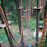Base Camp trudna trasa w czubkach drzew w parku linowym w Istebnej