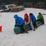 zabawy i gry zimą podczas wyjaszu firmowego w góry